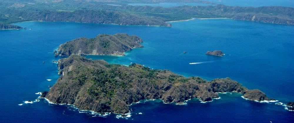 Fishing the Nicoya Peninsula of Costa Rica has two options.